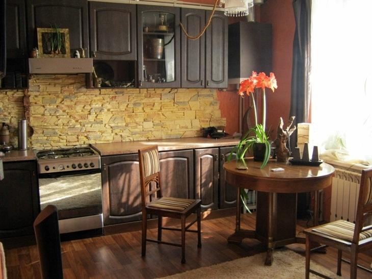 Кухня с газовым котлом в квартире студия
